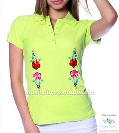 bf65f0c47b Rövid ujjú női pólóing hímzett kalocsai mintával - Hímzésmánia - apple (S)