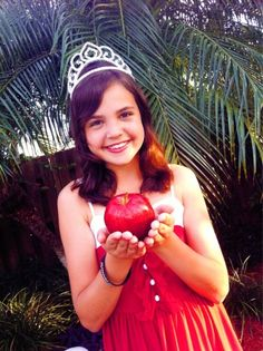 Bailee Madison as a young Princess Snow in Once Upon A Time ©ABC Networks
