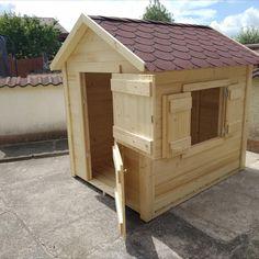 Dřevěný domek není určen pouze pro zahradu i na terase si najde své místo. Budou nadšené nejen děti.