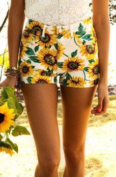 Summer fashion | sunflower shorts