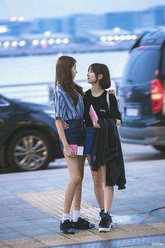 Read × Wonha × from the story Extended Play, South Korean Girls, Korean Girl Groups, Fake Instagram, Yuri, Gfriend Sowon, G Friend, Girl Online, Airport Style