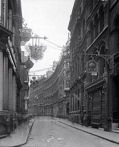 Lombard Street Signs: How London's Banks got their Logos | HistoryLondon