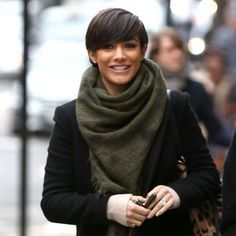 Short hair styles, short hairstyles for women, short hairstyle women, short bob hairstyles Short Hair Back View, Short Hair With Bangs, Short Hair Cuts, Short Hair Styles, Short Hairstyles For Women, Cool Hairstyles, Brünetter Pixie, Bowl Haircuts, Spring Outfits Women