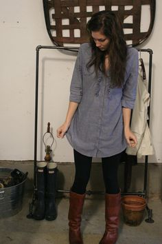 Old plain jane default outfit Chambray Tunic: thrifted nwt $2.50 leggings: $5 (target) Boots: Frye purchased at 40% off thanks to my best friend who works for a department store :/