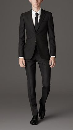 Burberry Slim Fit Virgin Wool Suit $1400