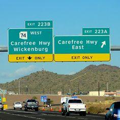 Você está planejado alugar um carro na sua viagem para os Estados Unidos? Fizemos umalista com 10 termos essenciais e mais algumas dicas importantes para te ajudar a dirigir com prudência e evita…