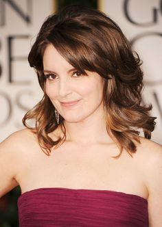 Best hairstyles on celebs over 40 TINA FEY'S SHOULDER GRAZER Not too short and not too long, the 30 Rock star's style works great on oval face shapes. At the salon, request a shoulder-length cut that's layered throughout, with shorter layers framing the face and side-swept bangs. If your hair is extra thick, ask the stylist to remove the bulk using thinning shears, says Stodghill. To style, the choice is yours — use a curling iron or a round brush to add body.