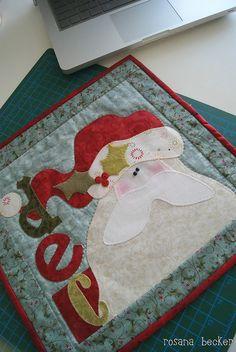 Dec. Santa Quilt Christmas Applique, Christmas Sewing, Christmas Art, Christmas Quilting, Xmas, Quilting Projects, Quilting Designs, Sewing Projects, Patch Quilt