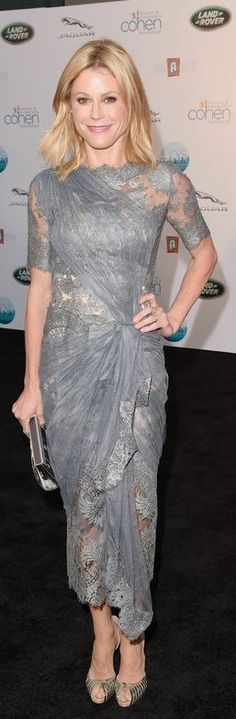 Julie Bowen: Dress – Marchesa  Shoes – Christian Louboutin  Purse – Jimmy Choo