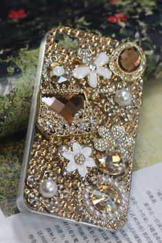 Handmade Charms Crystal Pearl Rhinestone Bling Bag Flowers Phone Case For HTC One X. $26.00, via Etsy. #capa para celular