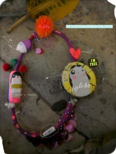 urban necklaces by 'Há Monstros Debaixo da Cama' You can order worldwide!  Email us: porta.dezasseis@gmail.com