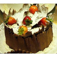Torta Morango Especial #confeitariapolos  (em Polos Pães e Doces)