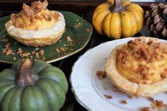 Pompoenpudding met walnotencrumble – Een beetje van zus Muffin, Breakfast, Desserts, Food, Morning Coffee, Tailgate Desserts, Deserts, Muffins, Meals