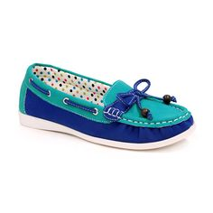 Spicy Footwear Turquoise & Blue Color Block Boat Shoe ($13) ❤ liked on Polyvore featuring shoes, color block shoes, deck shoes, block shoes, topsider shoes and synthetic shoes