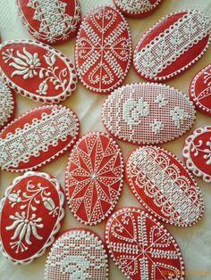 Lace Cookies, Royal Icing Cookies, Fun Cookies, Holiday Cookies, Cupcake Cookies, Colorful Cakes, Easter Cookies, Cookie Decorating, Gingerbread Cookies