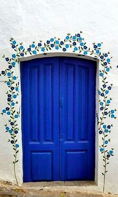 Blue door #door #doors #doordecorations https://steeltablelegs.com