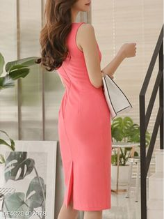 Cuello Barco Liso - berrylook.com Women's Fashion Dresses, Dress Outfits, Casual Dresses, Polka Dot Bodycon Dresses, Cocktail Outfit, Corporate Attire, Boat Neck Dress, Straight Dress, Dress Silhouette