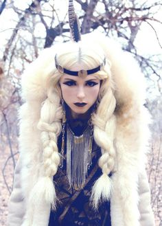 Hair for ice queen costume Mode Inspiration, Character Inspiration, Winter Thema, Foto Fantasy, Foto Portrait, Cosplay, Ice Queen, Look Fashion, Fashion Hair