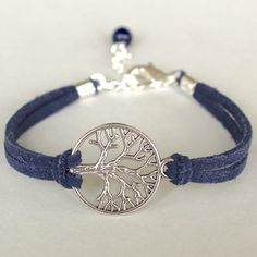 Tree of Life bracelet - this is cute and would remind of the strong family I have #roots #familytree #bracelet