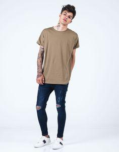 Camiseta básica regular fit kaki JVZ. Moda Online, Normcore, Mens Fashion, Mens Tops, T Shirt, Style, Templates, Dress Shops, Young Fashion