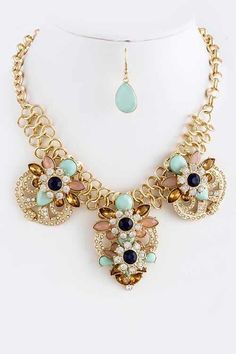 Mint & Gold Fancy Facets Statement Necklace | #USTrendy   www.ustrendy.com