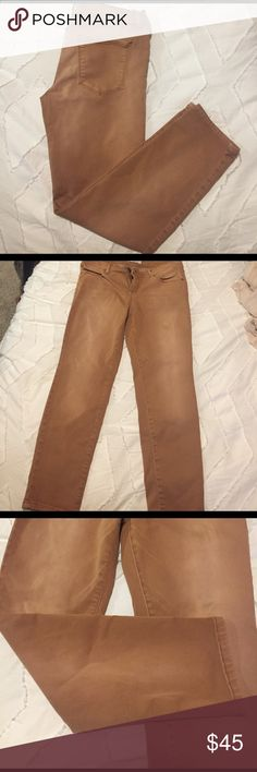 Free People ankle cropped jeans (camel colored) Free People ankle pants. Denim material, camel/caramel/tan colored. Can be worn cuffed or straight. Mid-rise. Perfect for any season!! Barely worn and no stains or rips etc. Free People Pants Ankle & Cropped