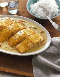 Delicous Coconut Curry Salmon Recipe is an easy weeknight meal, swap the rice with quinoa or grated cauliflower if you don't eat rice on Passover.