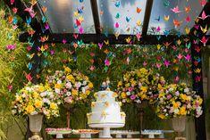 Origami-Papierwürfel falten - New Ideas Wedding Table, Diy Wedding, Altar, Cherry Blossom Party, Hurricane Lamps, Rainbow Wedding, Wedding Decorations, Table Decorations, Cake Table