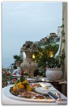 The Oyster bar at Albergo Le Sirenuse - Positano, Italy°°