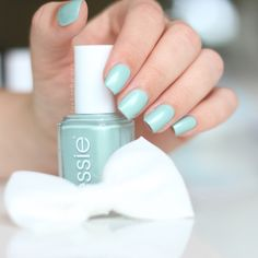 «passport to happiness» | essie | eternal love kollektion | bridal 2016 | lackschwarz |