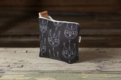 Aapiste - Design by Riikka Kaartilanmäki Forest Cat, Pouch, Projects, Prints, Collection, Beautiful, Design, Log Projects, Blue Prints