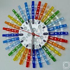 """Репина Алёна. Настенные часы """"Летний дождик"""", стекло, фьюзинг"""