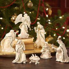 Christmas Tree Village, Christmas Nativity Set, Dollar Tree Christmas, Christmas Jesus, Christmas Baskets, Christmas Room, Christmas Balls, All Things Christmas, Nativity Sets