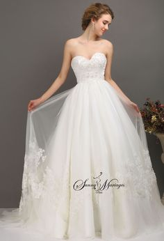 robe de mariee princesse, robe de mariee bustier coeur perlé, robe de mariee jupe en tulle fluide et dentelle