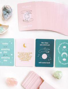 Whats Wallpaper, Packaging Design, Branding Design, Tarot Cards For Beginners, Deck Of Cards, Card Deck, Affirmation Cards, Rose Design, Blog Design