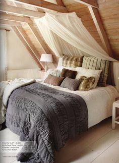 Cosy bedroom by Braxton