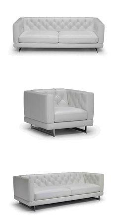 Surowe, proste linie łączą się z miękką tapicerką i pikowanym oparciem. Zelo to solidna sofa o przystępnej postawie, oświetlona smukłymi metalowymi lub drewnianymi stopami. #furniture #interiordesign #sofa #natuzzi #home #meble #kanapy #armchair #sofas Bench, Storage, Modern, Furniture, Home Decor, Simple Lines, Purse Storage, Trendy Tree, Decoration Home