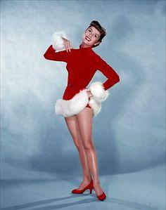 Debbie Reynolds   by Vintage-Stars Viejo Hollywood, Hollywood Photo, Vintage Hollywood, Hollywood Glamour, Hollywood Stars, Classic Hollywood, Vintage Christmas Photos, Vintage Holiday, Retro Christmas