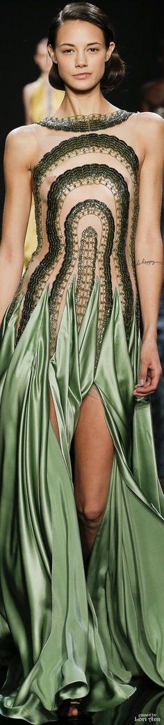 Reem Acra Fall 2016 Ready To wear~pinned by Linka Crosby Jaimie Alexander, Alessandra Ambrosio, Kristen Stewart, High Fashion, Fashion Show, Fashion Design, Beautiful Gowns, Colorful Fashion, Green Dress