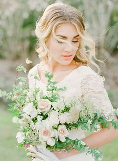Sweet & romantic Charleston Bridal Session via Magnolia Rouge Bridal Portrait Poses, Bride Portrait, Wedding Portraits, Wedding Photos, Wedding Ideas, Wedding Inspiration, Elegant Wedding Hair, Elegant Bride, Wedding Bride