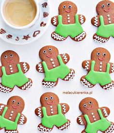 Dekorowanie Świątecznych Pierniczków Gingerbread Cookies, Sugar, Christmas, Recipes, Food, Photography, Ideas, Gingerbread Cupcakes, Xmas