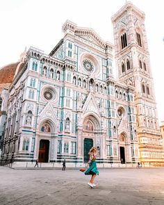 What a lovely name for such a mesmerizing italian city. FLORENCE, vacation spot for many, but does it uphold to a traveler's standards? Travel Route, Places To Travel, Places To Visit, Vacation Places, Travel Destinations, Vacation Food, Vacation Packing, Dream Vacations, Italy Vacation