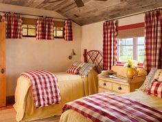 22 Charming Farmhouse Bedroom Designs