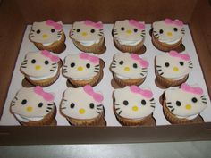 Hello Kitty Cupcakes ~ Like the Fan Page: http://www.facebook.com/sweetbudsbakeryfans