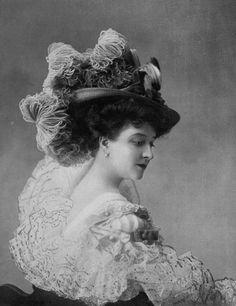 Chapeau de la Maison Virot, 1907. Edwardian fashion accessories: beautiful hat, millinery.