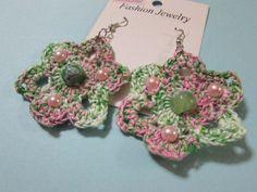 orecchini all'uncinetto a fiore con perline