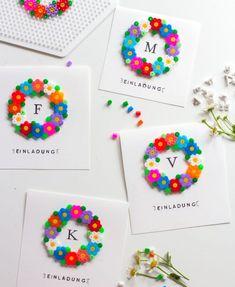 Einladungskarten mit Bügelperlen Perler Bead Designs, Diy Perler Beads, Perler Bead Art, Crafts For Kids To Make, Diy And Crafts, Paper Crafts, Hama Beads Patterns, Beading Patterns, Peler Beads