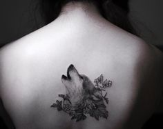 Magnificent wolf on back by Hongam
