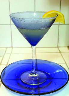Healthier lemon drop martini by the pitcher made just for you! Sugar Free Lemon Drops, Whole 30 Chicken Recipes, Lemon Drop Martini, Homemade Ravioli, Dump Meals, Easy Cocktails, Drinks, Thing 1, Happy Foods