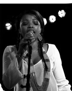 alama kante Woman Singing, Che Guevara, Medical, Concert, Women, Medicine, Concerts